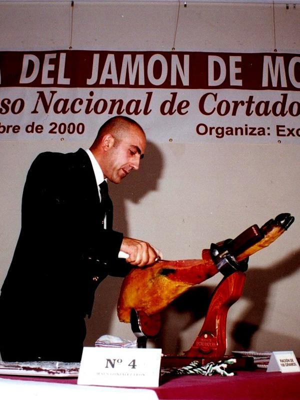 Jesús González | Cuchillo de Oro Jamón de Monesterio año 2000